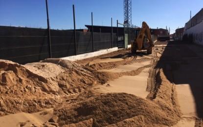 Malagón: Obras en el Felix Barrero para construir una pista de playa
