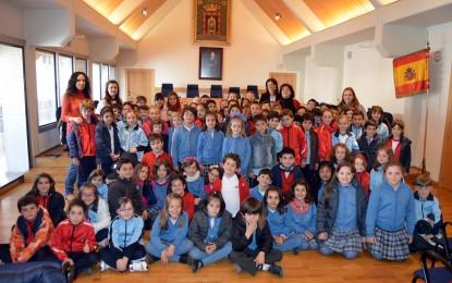 Ciudad Real: El Ayuntamiento se llena de escolares de centros educativos de Ciudad Real y Toulouse