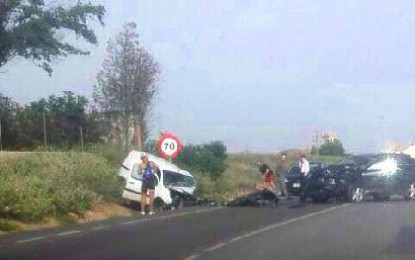 Almagro: Cuatro heridos en un choque frontal entre dos vehículos, en la curva del Polideportivo