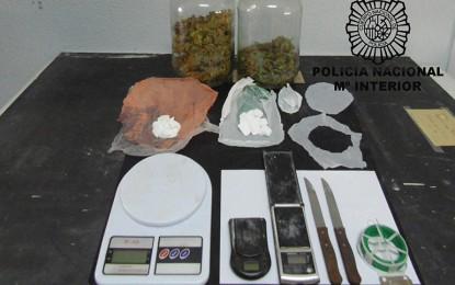 La Policía Nacional ha detenido a dos personas, como presuntas autoras de un delito de tráfico de drogas