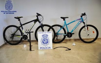Valdepeñas: Un menor detenido y dos más identificados por la Policía Nacional como presuntos autores de varios hurtos
