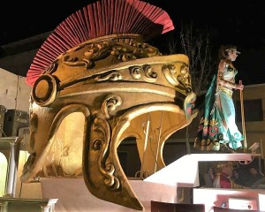 """Bolaños: La Peña """"El Burleta"""" de Campo de Criptana se ganó el """"XXXVI Desfile de Comparsas y Carrozas"""""""