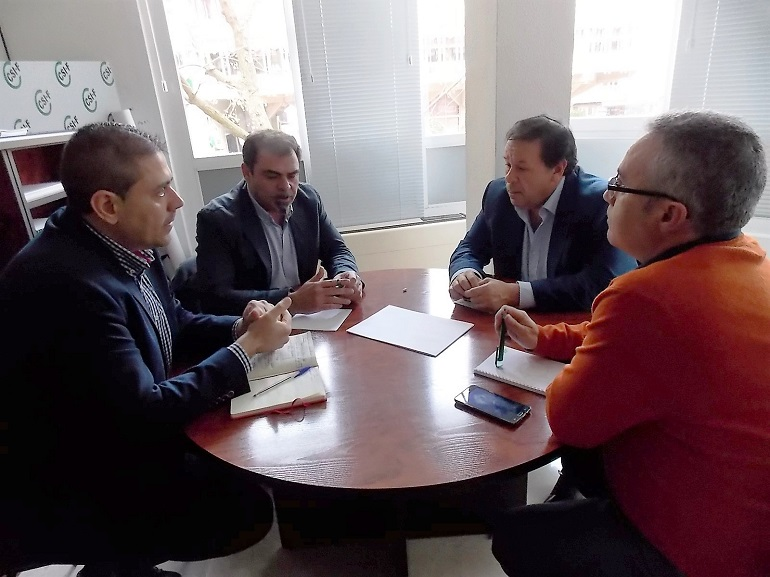 Ciudad Real El PSOE se reune con el sindicato de funcionarios CSIF, para conocer de primera mano las reivindicaciones de los funcionares de la provincia