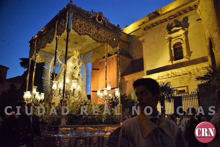 Ciudad Real Miles de devotos procesionaron junto a la Virgen del Prado