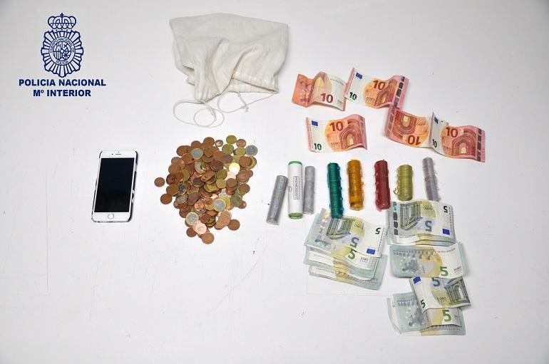 Ciudad Real Detenido tras robar en un comercio y encerrar a la dependienta para que no alertara a la policía