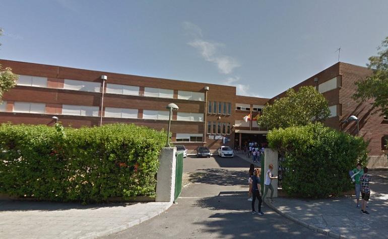 Ciudad Real Una alumna del Instituto Hernán Pérez del Pulgar ingresada en urgencias tras arrojarse por una ventana del primer piso