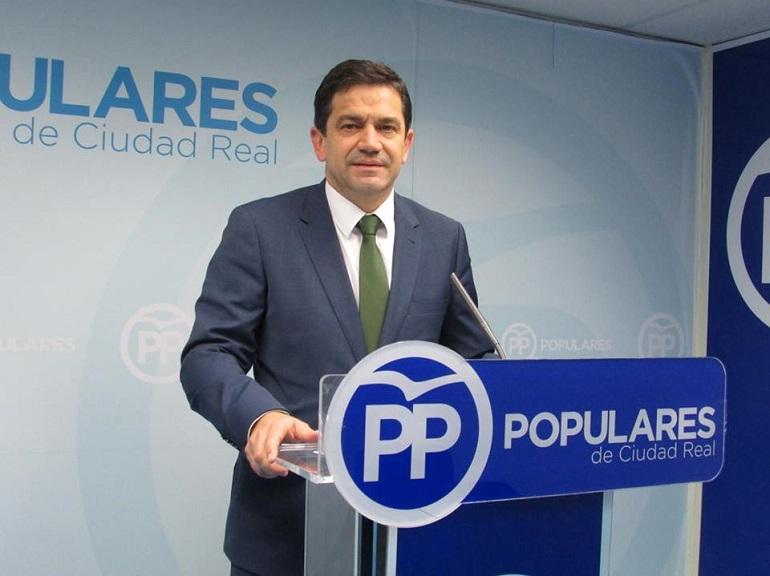 Valverde denuncia el grave estado de la sanidad en nuestra provincia con una lista de espera de más de seis meses para una operación