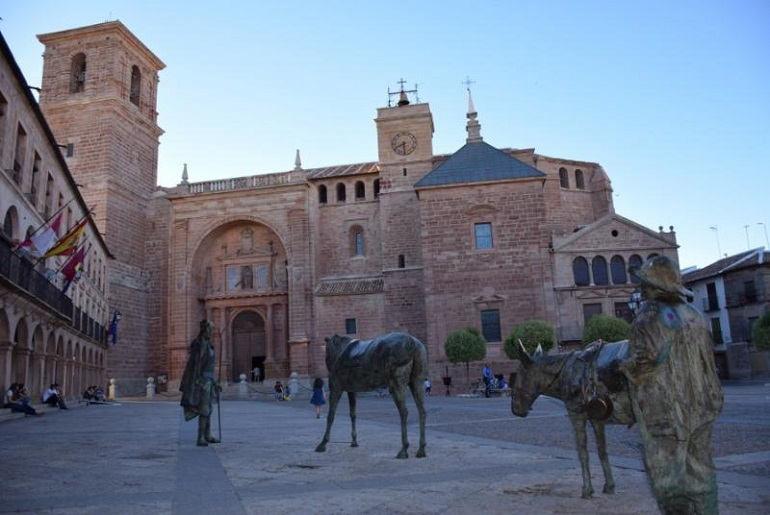 Villanueva de los Infantes adelantará sus campanadas de fin de año a este viernes