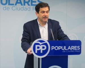 """Valverde: """"Los ciudadanos elegirán entre el abismo y los anuncios vacíos de Sánchez y Page o las certezas y la estabilidad de Casado y Núñez"""""""