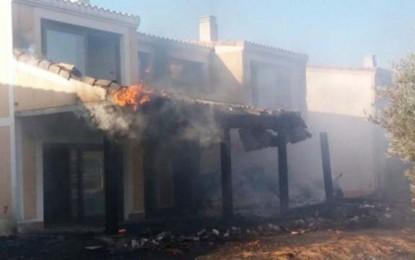 Villamayor de Calatrava: Incendio en una urbanización afecta a 15 chalets abandonados y seis hectáreas de pasto