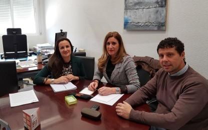 Torralba de Calatrava: La Junta resolverá el recorte de personal y servicios sociales con la contratación de un nuevo profesional