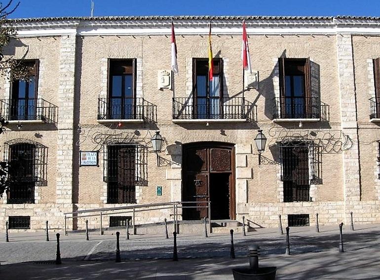 """Villarrubia de los Ojos """"La alcaldesa impide al PSOE el debate en Pleno, de un contrato de 14 millones de euros"""""""