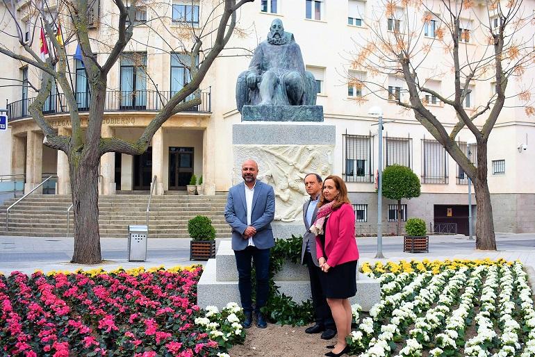 Ciudad Real Cervantes vuelve a su plaza en el día del libro y en el aniversario de su fallecimiento