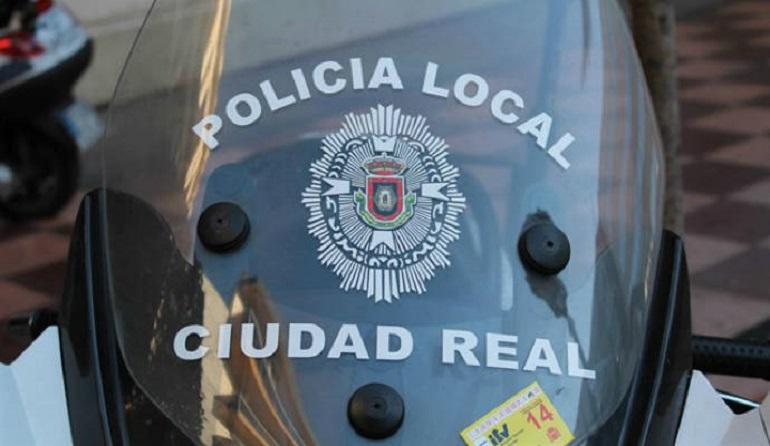 Ciudad Real Rescatados ocho perritos de un contenedor por la Policía Local