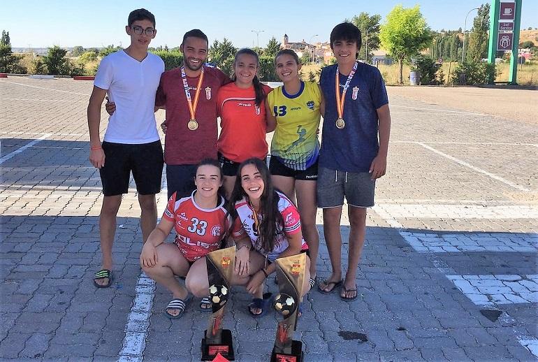 Doble Campeones en juveniles masculino y femenino