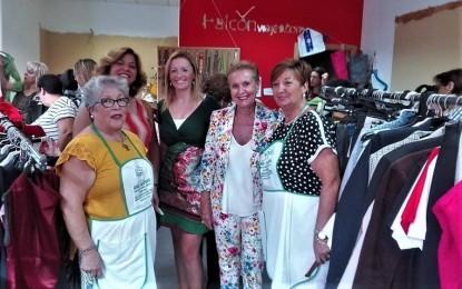 Valdepeñas: Carmen Quintanilla, presidenta de AFAMMER, inauguró la XIII Edición del Mercadillo Solidario Social