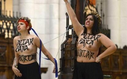 """La Foto del Día: El delito contra los sentimientos religiosos sale """"gratis"""" en España"""