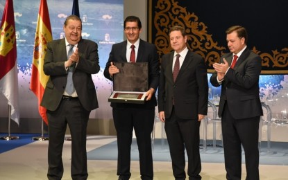 """José Manuel Caballero: """"La Placa al Mérito Regional concedida a FENAVIN es de todos aquellos que trabajan por el sector del vino"""""""