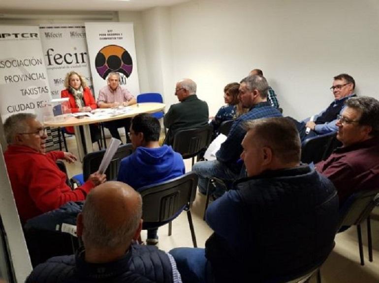 La Asociación Provincial de Taxistas renueva con la Diputación la ayuda para la adaptación de vehículos para personas con movilidad reducida