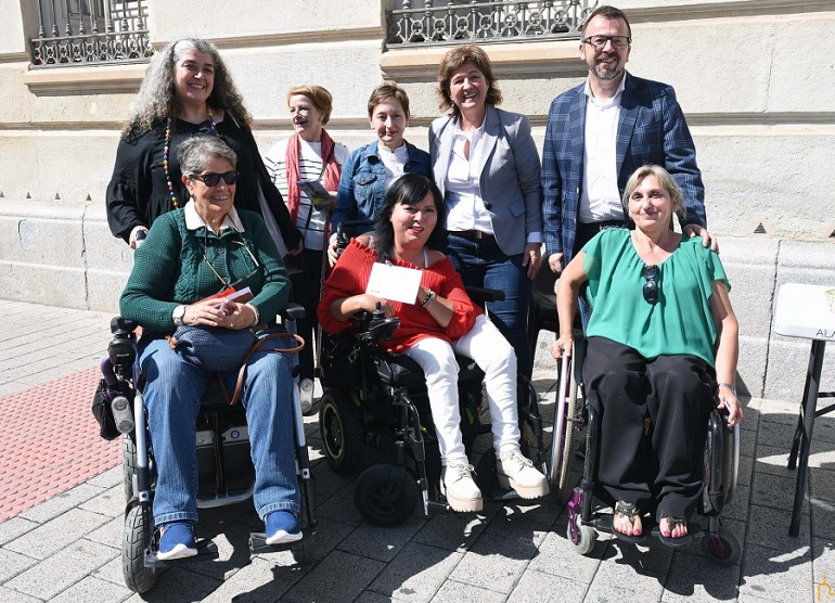 Ciudad Real La Diputación Provincial hace entrega de su colaboración a la Asociación Ciudad Accesible
