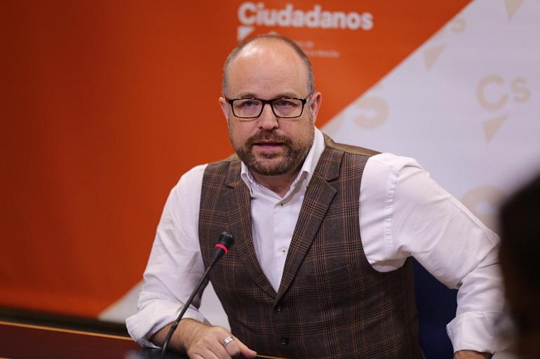 """Ciudadanos """"Autocrítica, sí. Flagelación gratuita, no"""