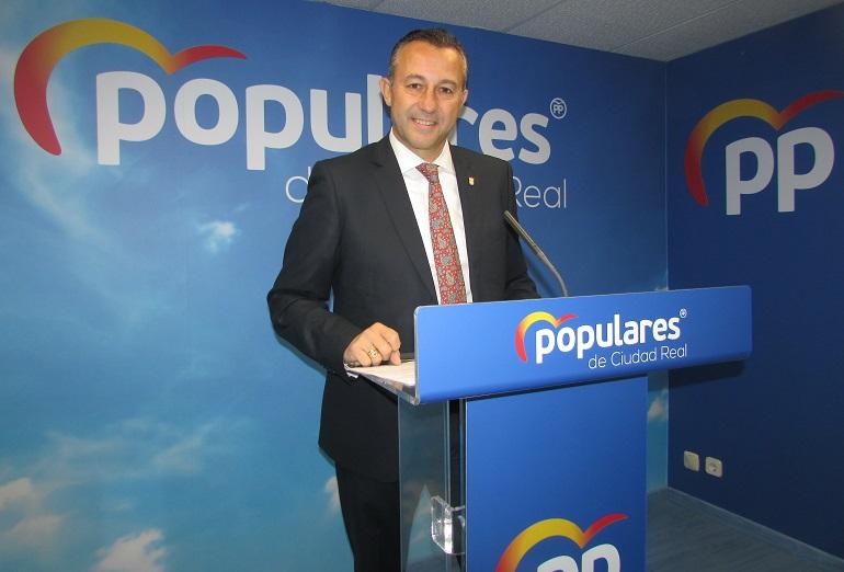 """Fernández pide al PSOE de Ciudad Real que aclare si sus diputados votarán a favor del """"pacto de la ruina para España"""""""