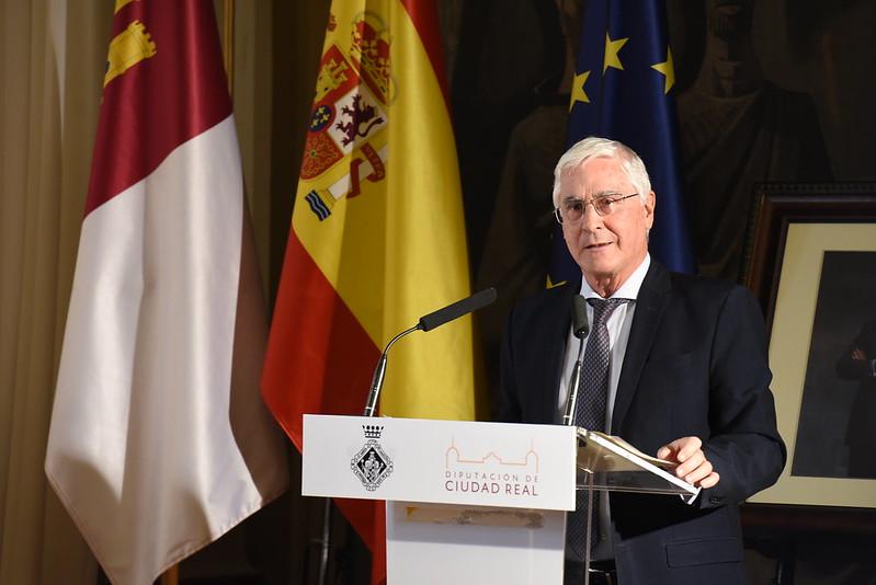 Jose Maria Barreda igresa en el IEM