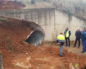 Saceruela: El corte de la carretera CM-415 por un socavón se levantará a lo largo de hoy