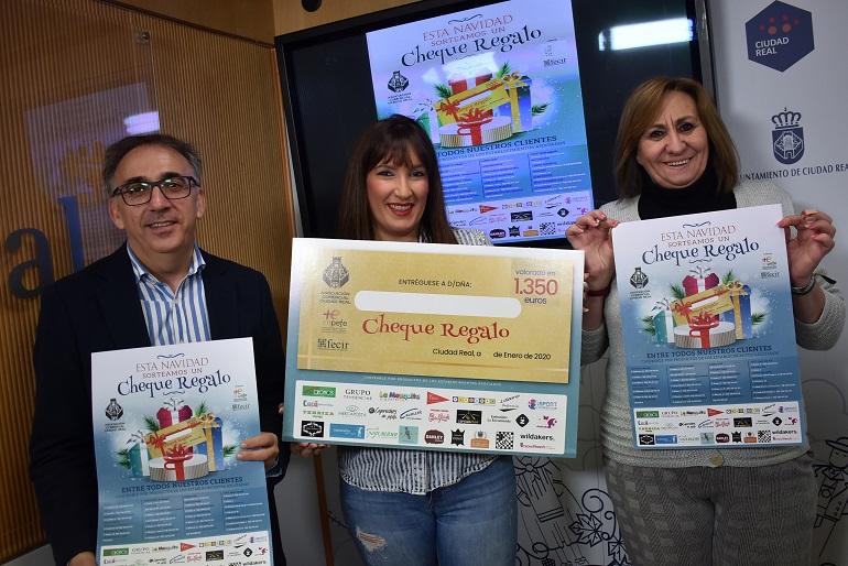 Ciudad Real Vuelve la campaña La Alfombra Azul para incentivar las compras en el pequeño comercio de la capital
