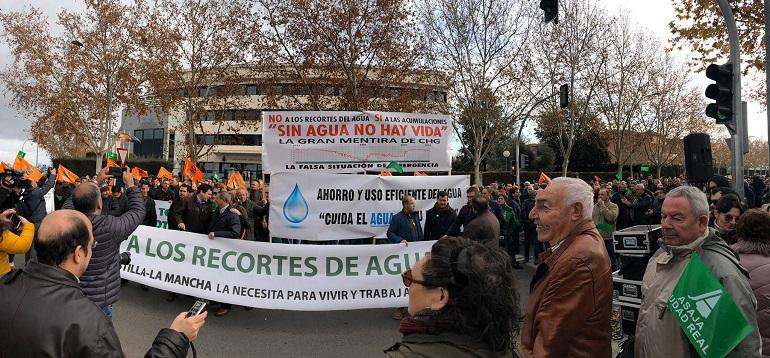 Manifestación de ASAJA contra los recortes de agua