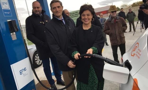 Pilar Zamora ha Inaugurado la primera estación de carga de gas natural  para vehículos de Ciudad Real
