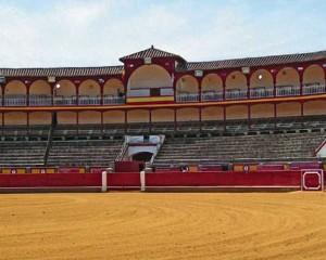 """Masías: """"El Ayuntamiento trabaja para que la Plaza  de Toros sea un edificio Bien de Interés Cultural"""""""