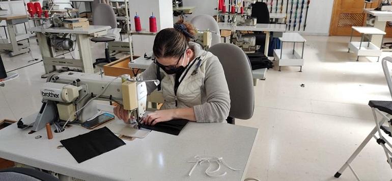 Ciudad Real Más de 300 personas se suman al voluntariado para coser mascarillas para el Hospital General