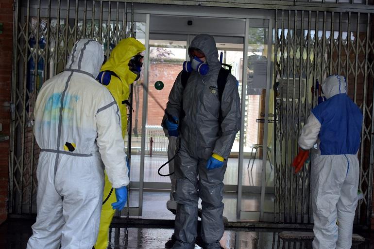 Ciudad Real El GEACAM realiza labores de desinfección en los tres centros de salud