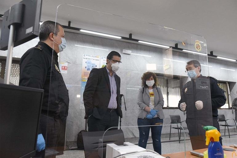 La Diputación facilita nuevas mamparas protectoras en las comisarías de Ciudad Real