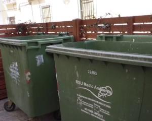 Las autoridades sanitarias recomiendan que los contenedores se encuentren debidamente cerrados por las altas temperaturas
