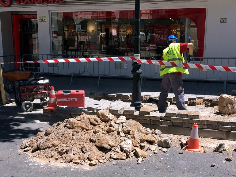 Ciudad Real corta al tráfico desde hoy lunes las calles Caballero y Feria por las obras de renovación de la red de agua