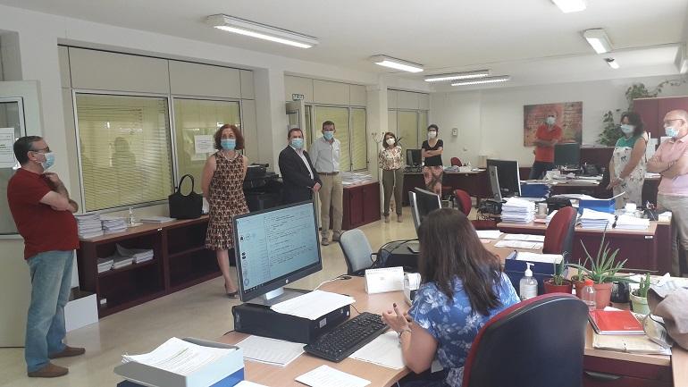 """La subdelegada destaca """"el excepcional trabajo"""" del SEPE con 28.000 ciudadrealeños cobrando prestaciones y 9.745 trabajadores que ya han salido de los ERTE"""