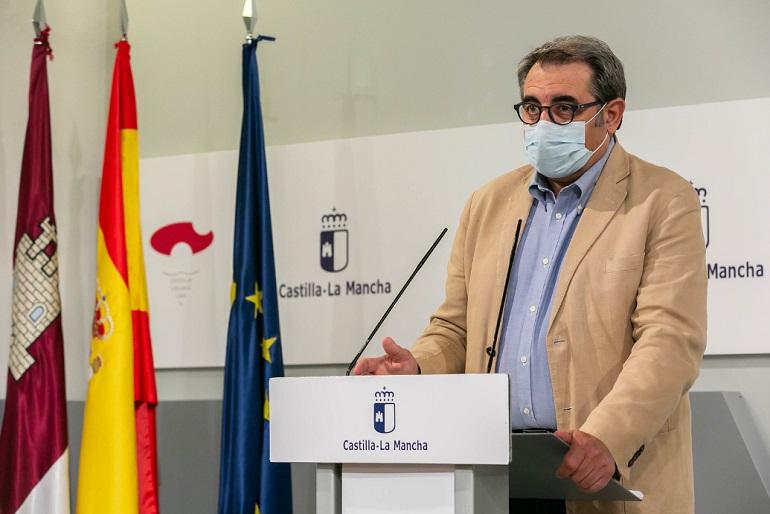 Castilla La Mancha cierra prostíbulos, clubes de alterne, locales de ocio nocturno, limita el aforo en mercadillos y la suspensión total de fiestas populares