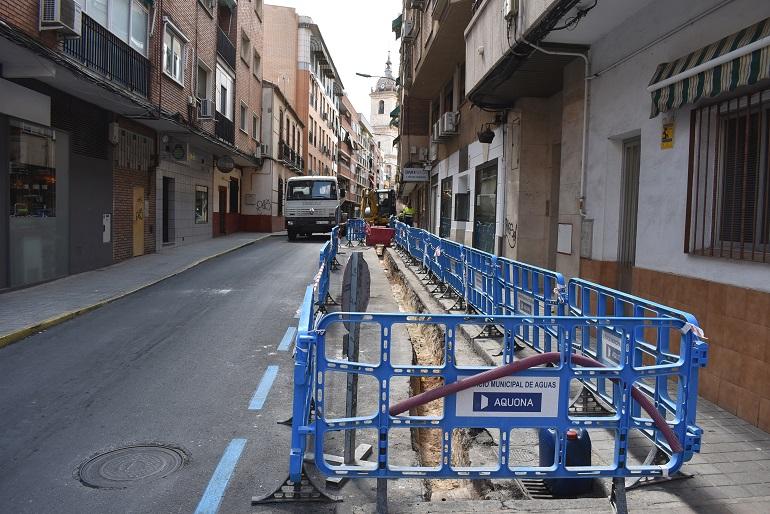 Ciudad Real Inicio de las obras de renovación de redes de abastecimiento de las calles Azucena, Camarín y Reyes