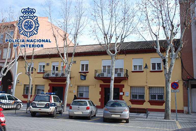 Alcázar de San Juan La Policía Nacional recibe formación de Cruz Roja sobre atención de emergencias sanitarias y uso de desfibriladores semiatuomáticos (DESA)