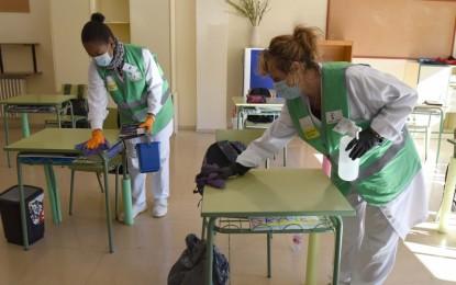 El Gobierno regional ha ampliado este curso escolar en 36 las aulas y en 96 profesionales la plantilla de los centros educativos de Ciudad Real