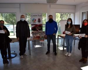 """Ciudad Real: Los ganadores del """"Reto del Pavo"""" recogen  sus premios del Patronato Municipal de Deportes"""