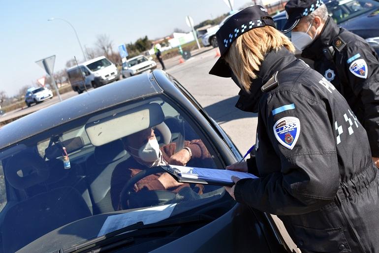 La Policía local de Ciudad Real realiza controles sorpresa para garantizar el confinamiento perimetral