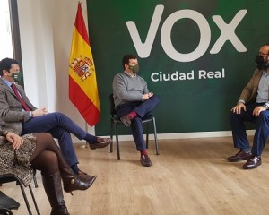 Vox Ciudad Real se reune con la Asociación Empresarial de Agencias de Viajes ante la preocupación por este sector turístico