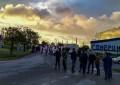 Puertollano: Más de 300 trabajadores de Repsol Petróleo cortan el acceso a la refinería como protesta contra el ERTE