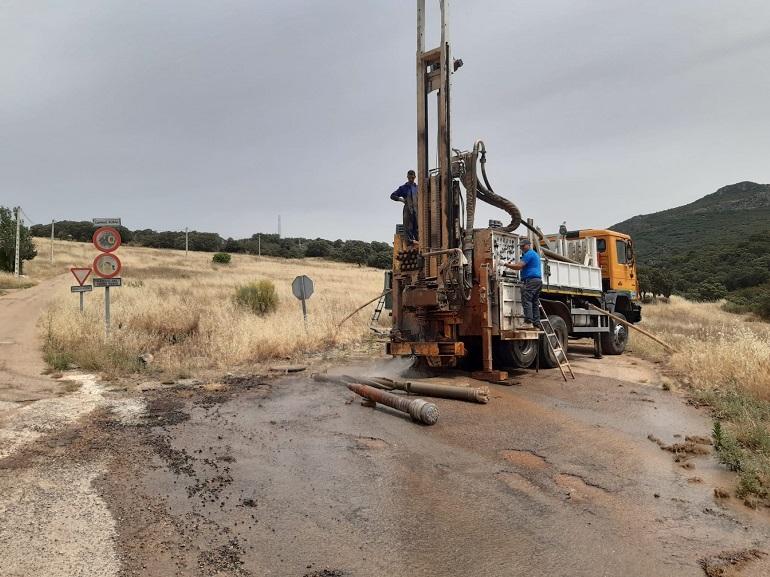 Limpiezas de los manantiales valdeazogueños 'Casa Andrés' y 'La Vía' este pasado mes de junio (1)